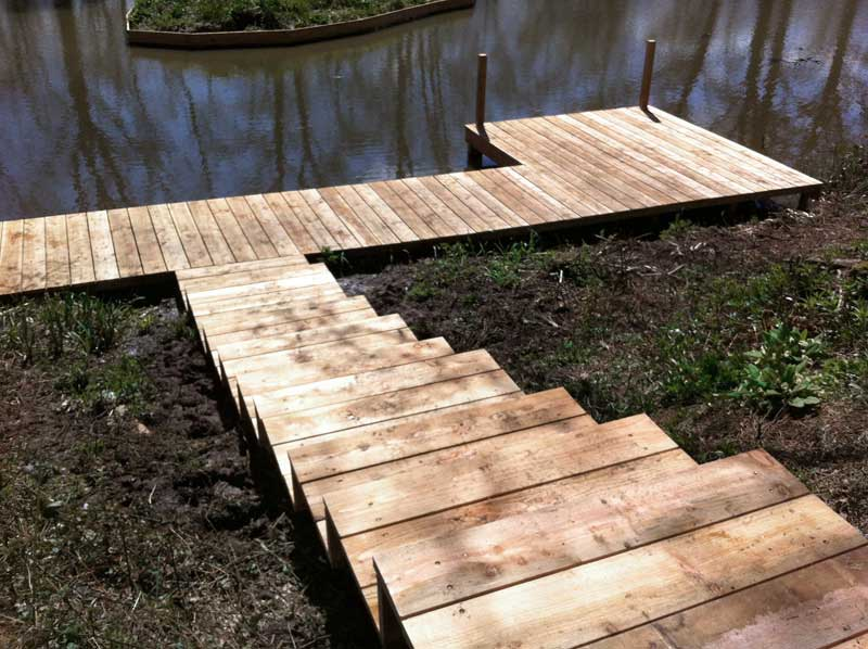 Steps & decking on a Berkshire pond